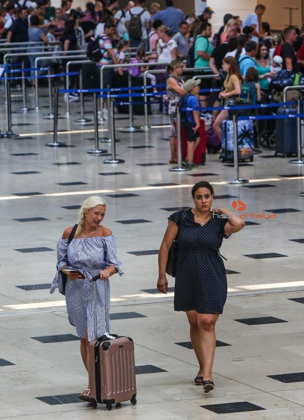 2019/08/antalya-turist-sayisinda-rekora-kosuyor-78c6dbea81ed-1.jpg