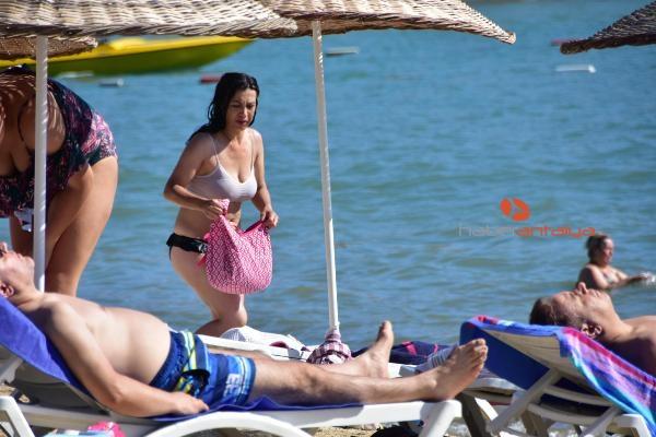 2019/08/bayramlasan-plaja-kostu-da63cfbc1295-2.jpg