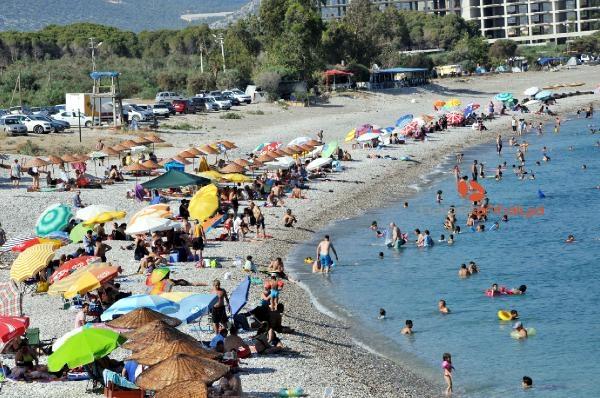 2019/08/demre-sahilleri-tatilcilerle-doldu-22071b171bdc-2.jpg