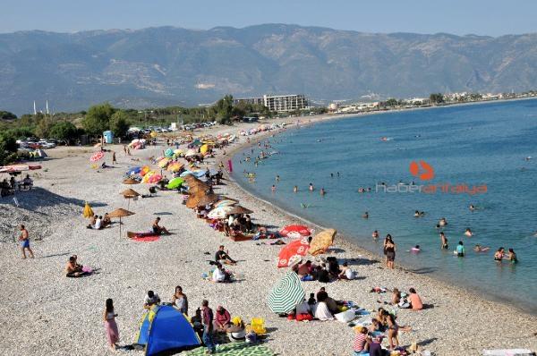2019/08/demre-sahilleri-tatilcilerle-doldu-22071b171bdc-3.jpg