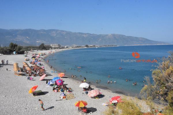 2019/08/demre-sahilleri-tatilcilerle-doldu-22071b171bdc-4.jpg