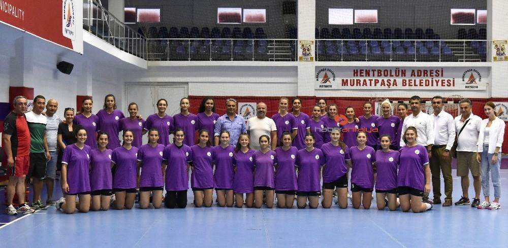 2019/09/muratpasa-belediyespor-kadin-hentbol-takimi-avrupa-sinavinda-20190911AW79-3.jpg