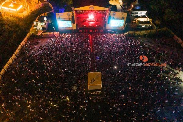 2019/09/rock-festivalinde-sebnem-ferah-coskusu-6428204ea33f-3.jpg