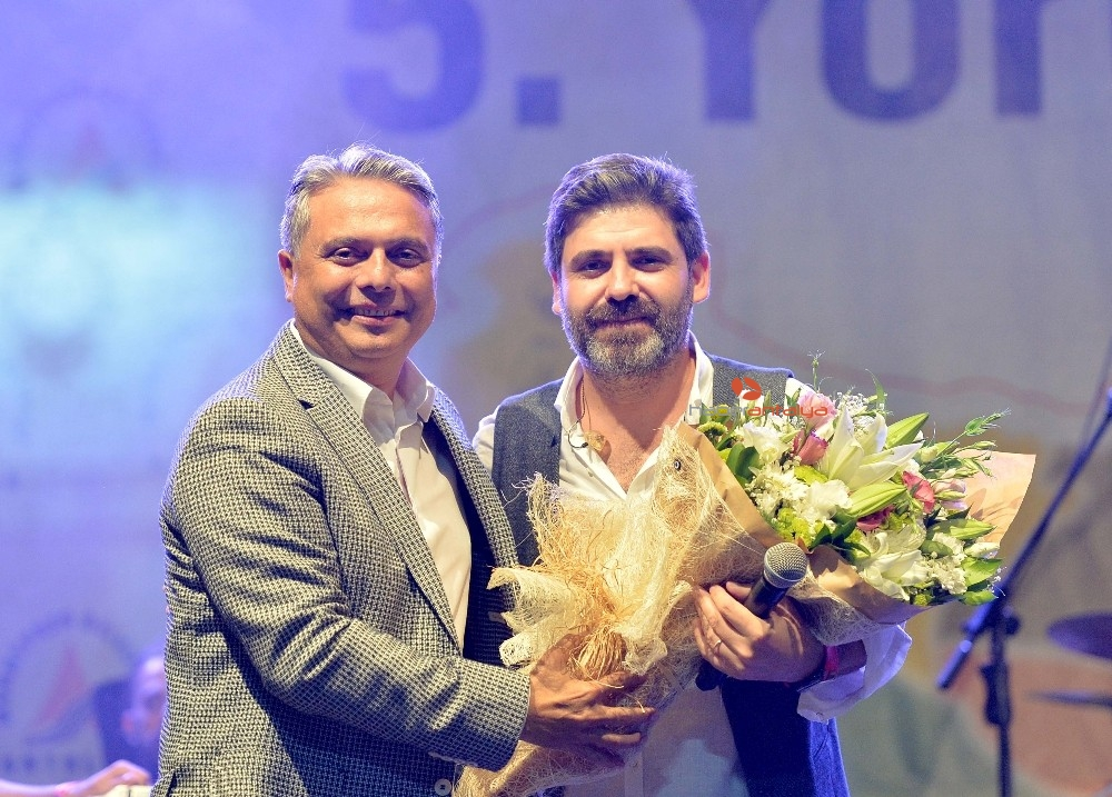 2019/09/yoreler-renklerde-halaylar-durmadi-20190919AW80-4.jpg