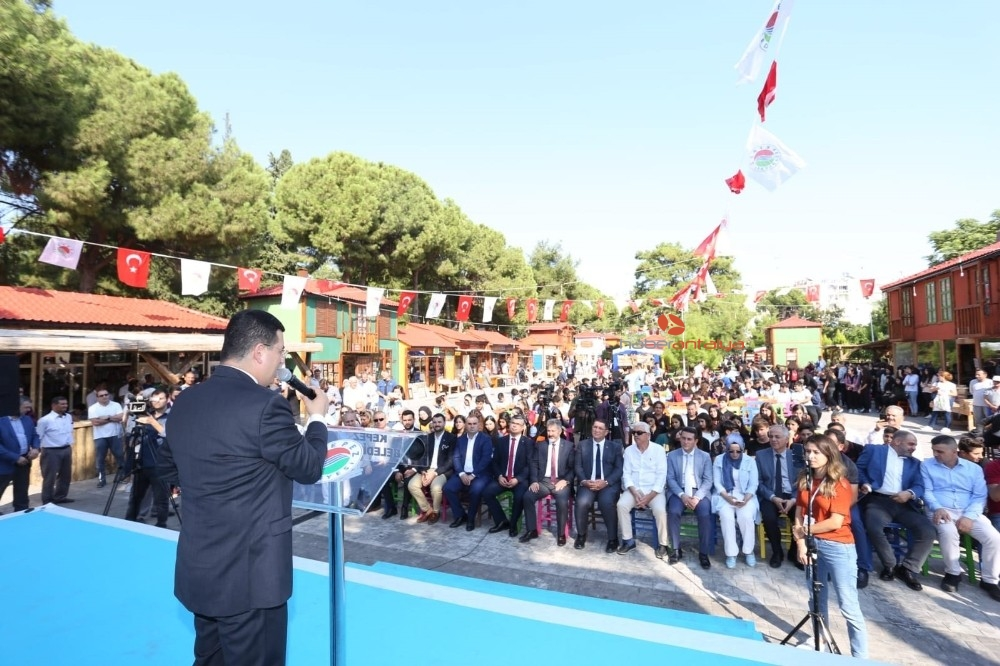 2019/10/kepezin-sahaf-festivali-acildi-20191018AW83-5.jpg