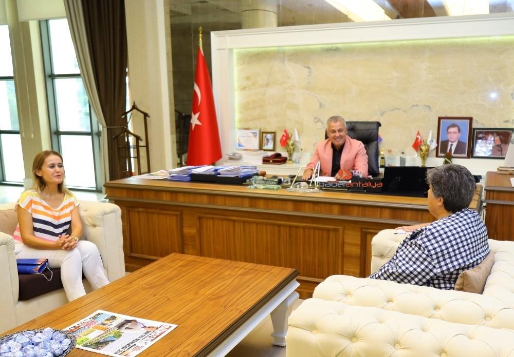 2019/10/manavgat-belediyesi-kadina-yonelik-siddete-karsi-protokol-imzaladi-20191017AW83-2.jpg