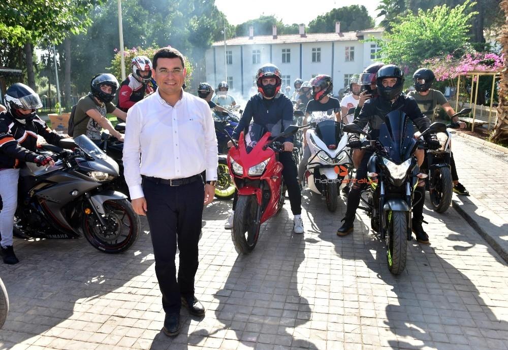 2019/10/tutuncuden-motosikletlilere-destek-20191007AW82-1.jpg