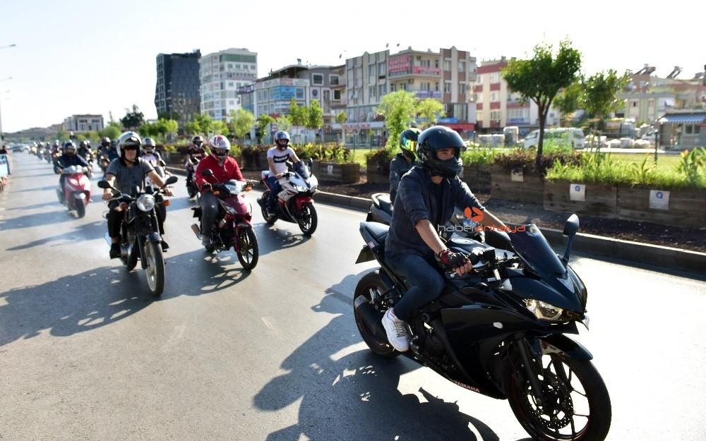 2019/10/tutuncuden-motosikletlilere-destek-20191007AW82-2.jpg