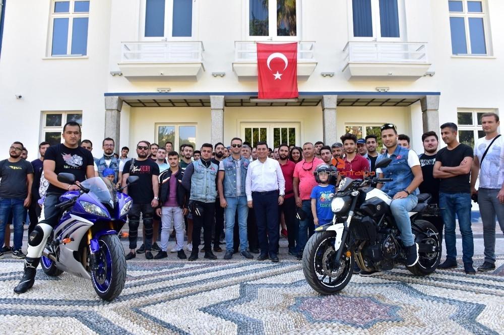 2019/10/tutuncuden-motosikletlilere-destek-20191007AW82-5.jpg