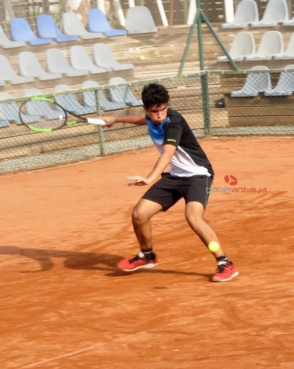 2019/11/avrupa-junior-tenis-turnuvasi-basladi-106920b89043-3.jpg