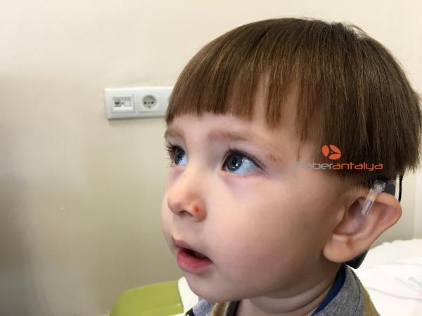 2019/11/ilk-kez-isiten-bebeklerden-biri-guldu-digeri-agladi-b1778983702a-4.jpg