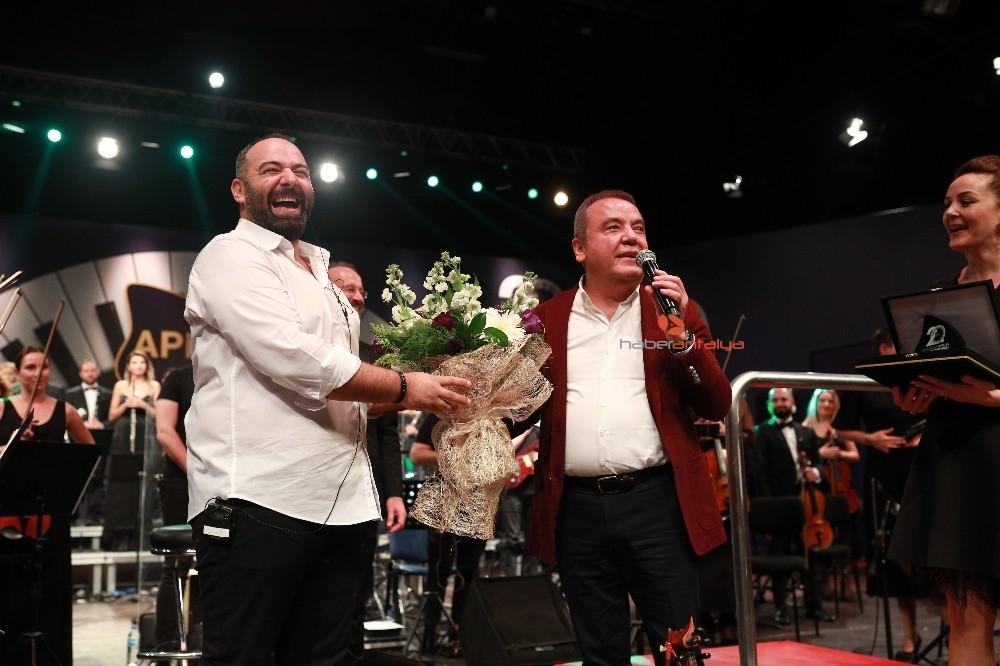 2019/11/karadenizin-turkuleri-senfoniyle-bulustu-20191120AW85-5.jpg