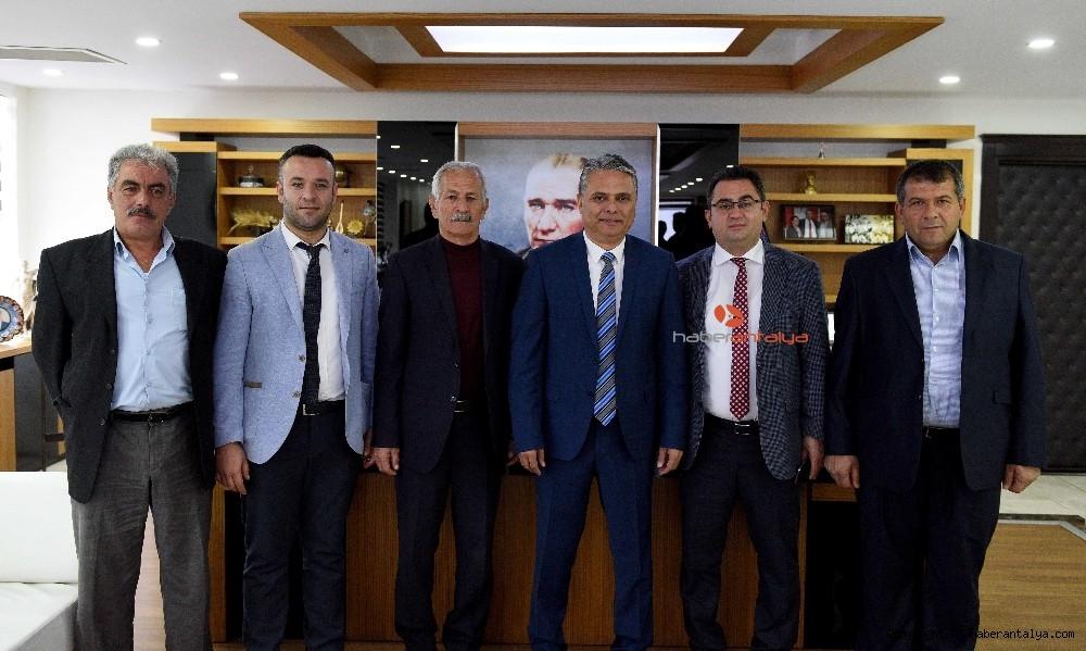 2019/12/baskan-uysal-ibradi-belediye-baskani-kucukkuruyu-agirladi-20191213AW88-3.jpg