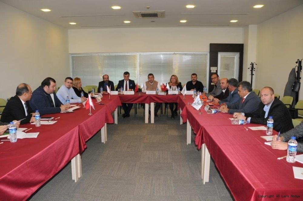 2019/12/turkiyedeki-rent-a-car-temsilcileri-sorunlarini-atsoda-ele-aldilar-20191206AW87-1.jpg