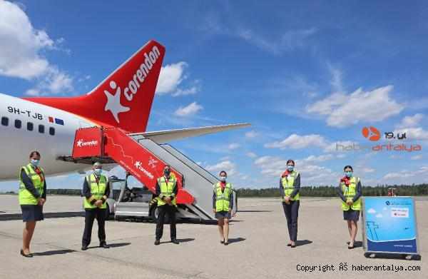 2020/07/corendon-airlines-europe-ucuslara-basladi-b1b8ff616db0-1.jpg