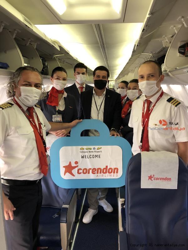 2020/07/corendon-airlines-europe-ucuslara-basladi-b1b8ff616db0-5.jpg
