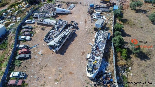 2020/07/hasar-goren-yolcu-ucagi-hurdalikta-alici-bekliyor-23562587ecde-2.jpg