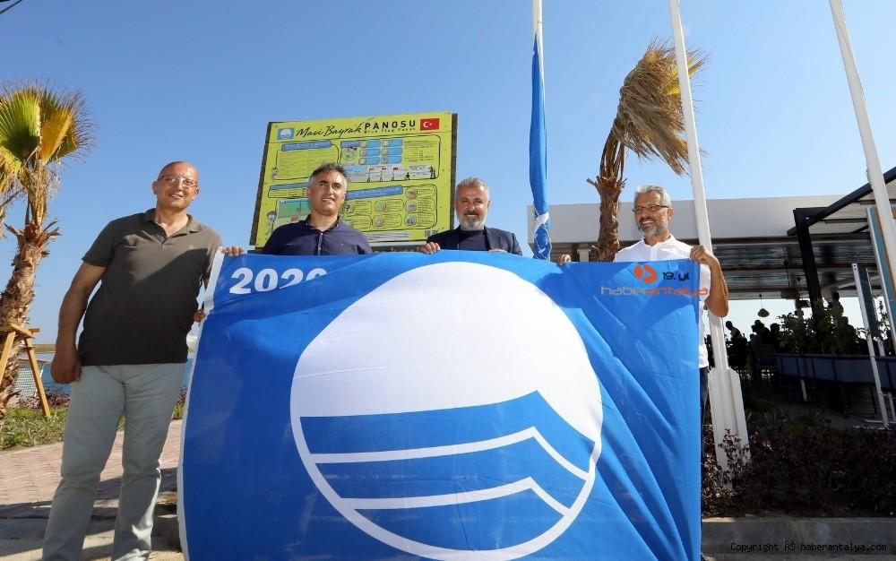 2020/07/manavgatin-2-plajina-mavi-bayrak-odulu-verildi-20200703AW05-1.jpg