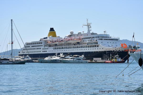 2020/08/200-metrelik-luks-yolcu-gemisi-marmariste-91437a658976-2.jpg