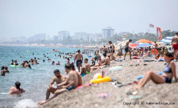 2020/08/ic-pazardaki-hareketlilik-turizmcileri-umutlandirdi--2655ad6fe459-3.jpg