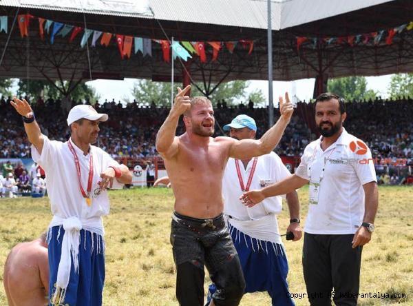 2020/08/ismail-balaban-ve-turan-balabanin-antrenoru-sahte-belgeli-cikti--bc7bbacade65-3.jpg