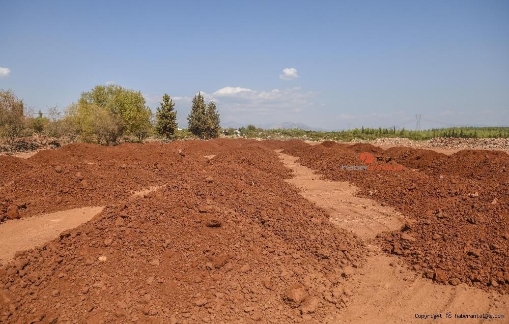 2020/09/antalya-orman-ciftligine-terra-rossa-topragi-20200930AW12-1.jpg