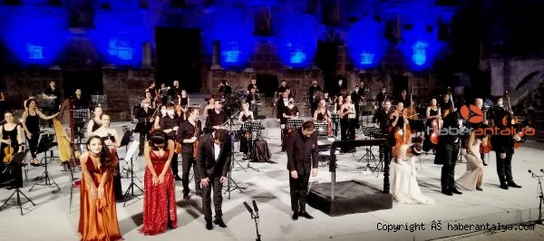 2020/09/aspendos-festivali-genc-opera-yildizlari-konseriyle-sona-erdi-04d7b771d94e-1.jpg