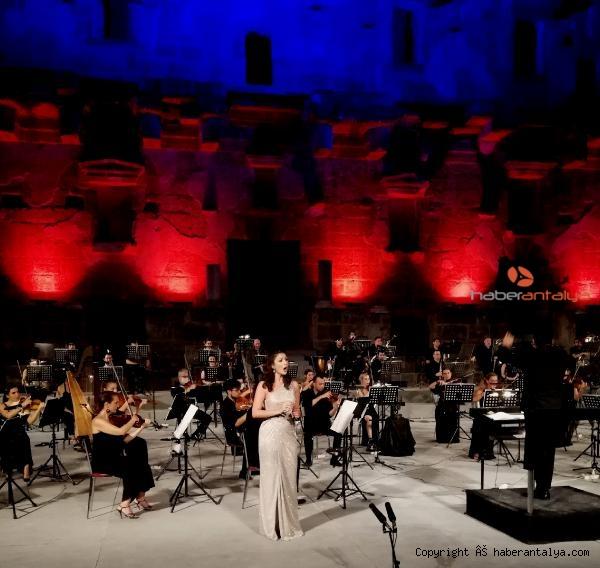 2020/09/aspendos-festivali-genc-opera-yildizlari-konseriyle-sona-erdi-04d7b771d94e-3.jpg