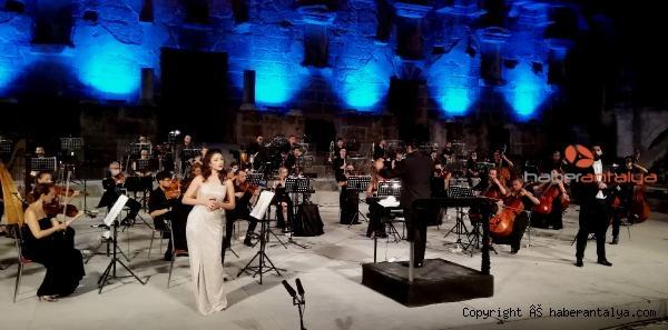 2020/09/aspendos-festivali-genc-opera-yildizlari-konseriyle-sona-erdi-04d7b771d94e-5.jpg