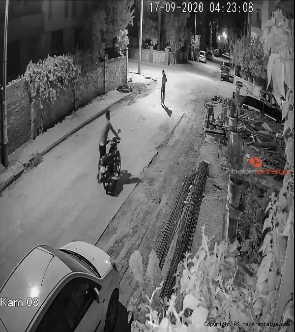 2020/09/calinan-motosikletinin-izini-suruyor-77474dfeba8c-3.jpg