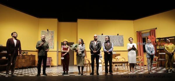 2020/09/takintilar-tiyatro-severle-bulustu-7304598c88fe-3.jpg