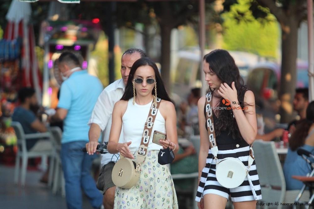2020/09/turistlerin-koronadan-haberi-yok--20200924AW12-1.jpg