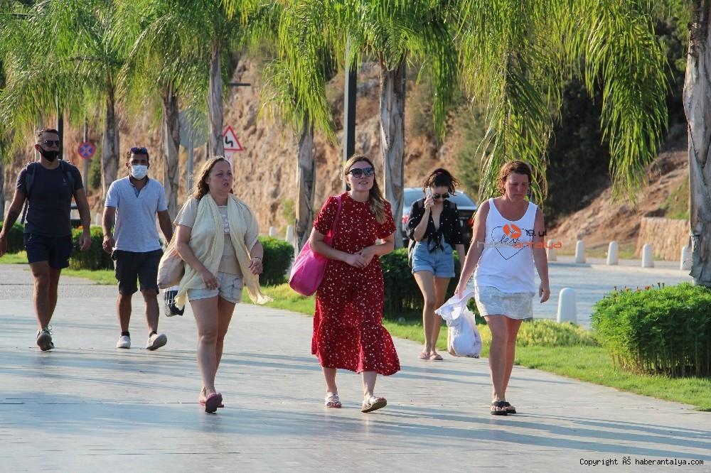 2020/09/turistlerin-koronadan-haberi-yok--20200924AW12-7.jpg