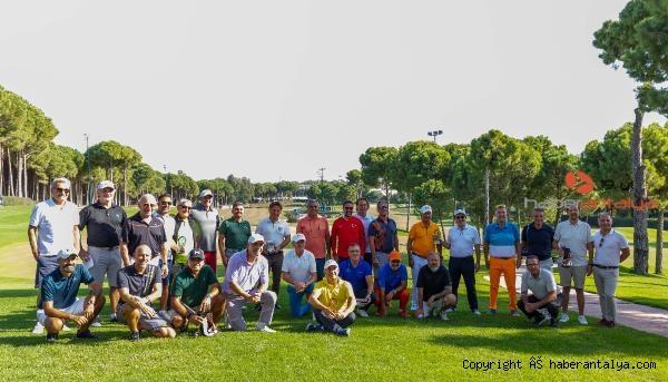2020/10/antalya-golf-turnuvasina-ev-sahipligi-yapti-4dc8faffa578-1.jpg