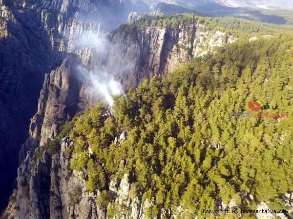 2020/10/antalyadaki-tazi-kanyonunda-orman-yangini-26f2bda17059-1.jpg