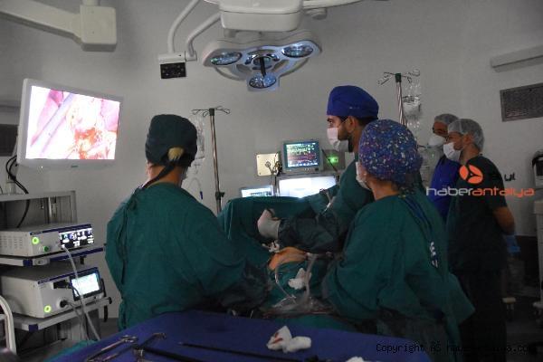 2020/10/demre-devlet-hastanesinde-kapali-ilk-ameliyat-727202b1dd2a-2.jpg