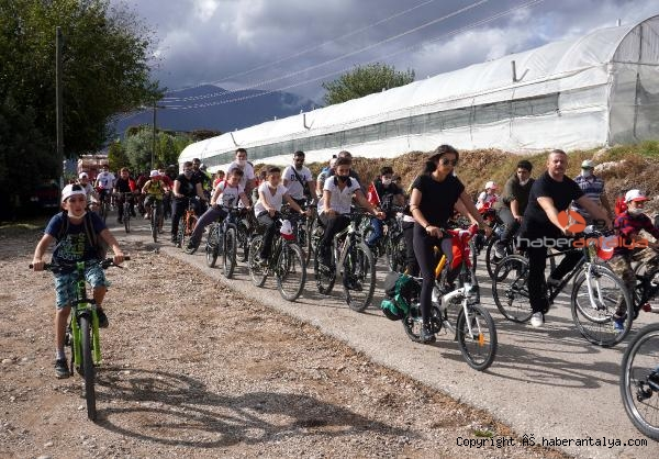 2020/10/finikede-bisiklet-turu-etkinligi-4e57b4826112-2.jpg