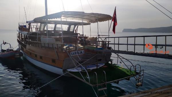 2020/10/gece-teknede-eglendi-sabah-olu-bulundu--d724a22c01ba-1.jpg