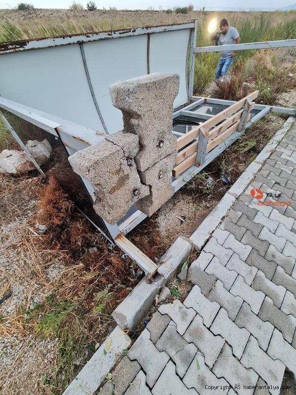 2020/10/gulserenin-olumune-neden-olan-duragin-ayaklarina-beton-dokuldu--8cbb9c510879-3.jpg