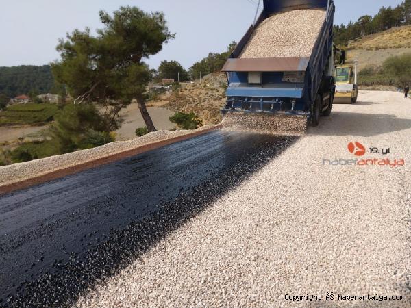 2020/11/kas-yollari-asfaltlaniyor-6a8e0cfcf402-1.jpg