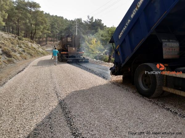 2020/11/kas-yollari-asfaltlaniyor-6a8e0cfcf402-2.jpg