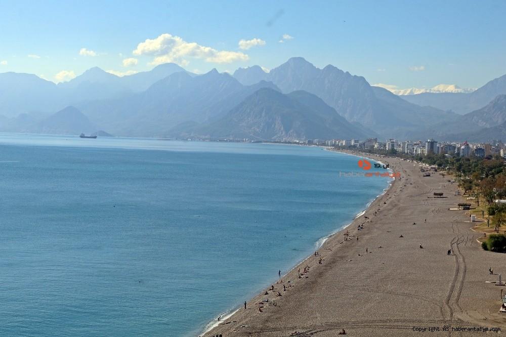 2020/11/kisitlama-oncesi-dunyaca-unlu-sahil-turistlere-kaldi-20201121AW17-1.jpg