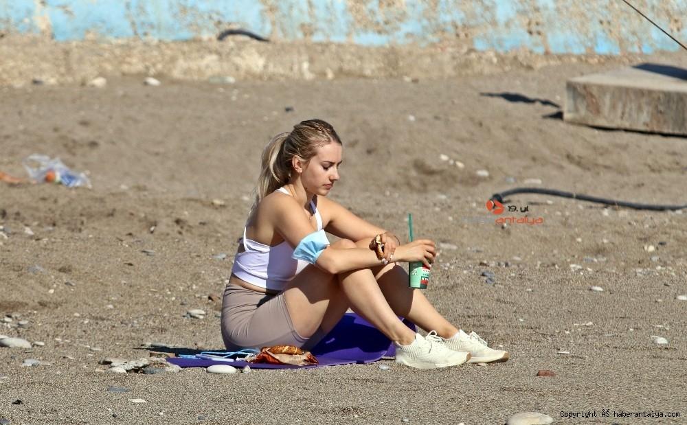 2020/11/kisitlama-oncesi-dunyaca-unlu-sahil-turistlere-kaldi-20201121AW17-3.jpg