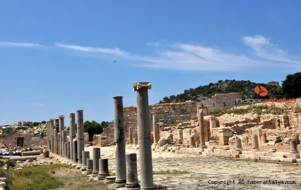2020/11/patara-antik-kentinde-iki-rekor-ayni-anda-kirildi-bb62446e227d-4.jpg