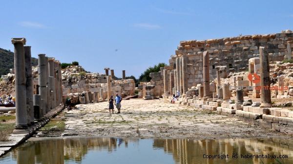 2020/11/patara-antik-kentinde-iki-rekor-ayni-anda-kirildi-bb62446e227d-5.jpg