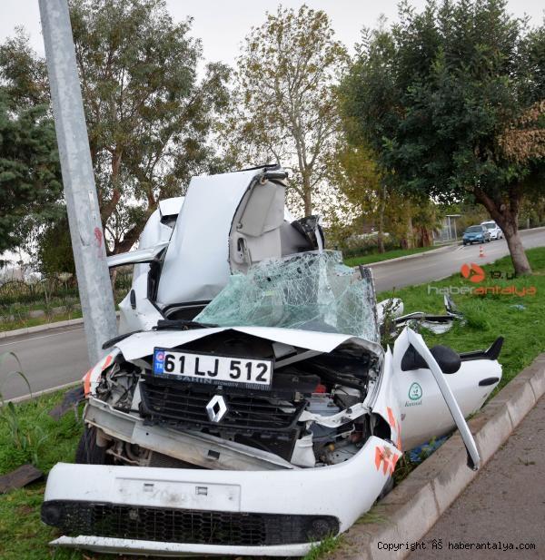 2020/12/ise-giderken-gecirdigi-kazada-oldu-b5e16dab9b75-3.jpg