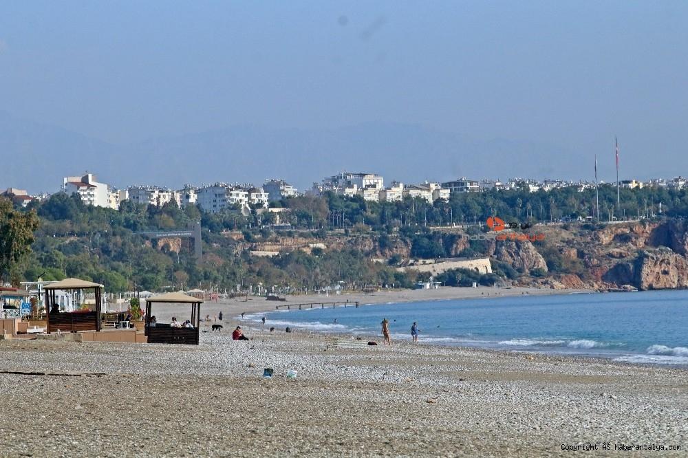 2020/12/kisitlama-turistlere-yaradi-dunyaca-unlu-sahil-onlara-kaldi-20201205AW18-12.jpg