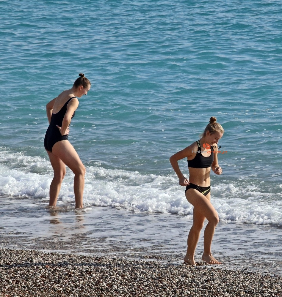 2020/12/kisitlama-turistlere-yaradi-dunyaca-unlu-sahil-onlara-kaldi-20201205AW18-15.jpg