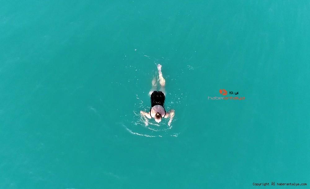 2020/12/kisitlama-turistlere-yaradi-dunyaca-unlu-sahil-onlara-kaldi-20201205AW18-2.jpg