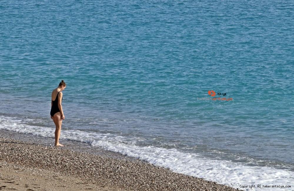 2020/12/kisitlama-turistlere-yaradi-dunyaca-unlu-sahil-onlara-kaldi-20201205AW18-5.jpg